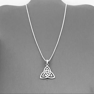 🌸NEW🌸 Sterling Silver Large Triquetra Necklace